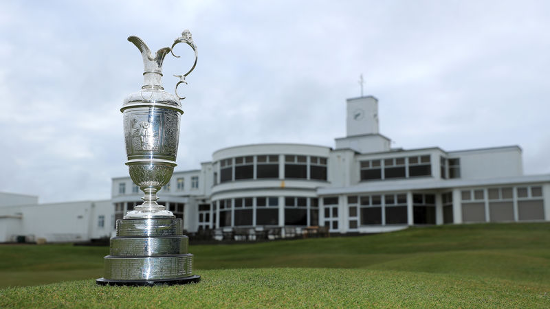 Under-par sterling drives the Open to award prize money in dollars