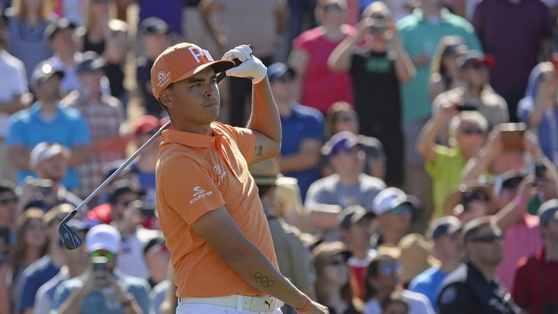 Rickie Fowler grabs one-shot lead at Waste Management Phoenix Open