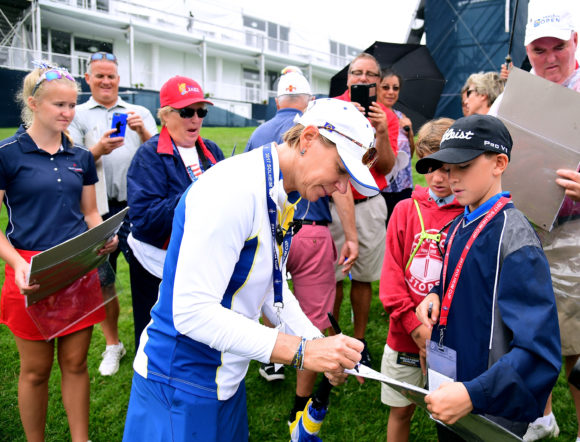 Americans up 3 points, Kerr sets US record in Solheim Cup