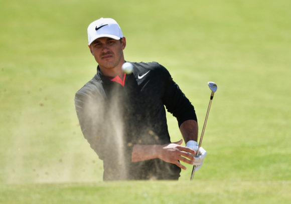 Spieth gains share of lead at British Open